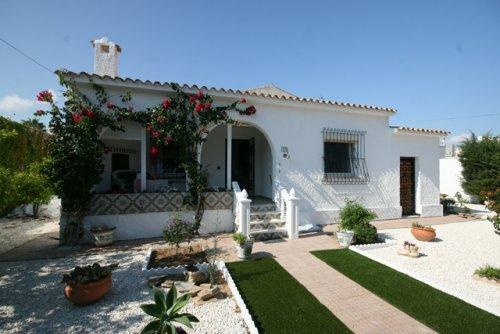 Bargain Cabo Roig Villa for sale