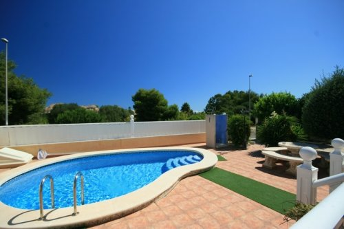 Fantastic 3 bed, 2 bath Detached villa with private pool