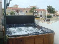 Bungalow with private whirlpool/jacuzzi!!! pic 3