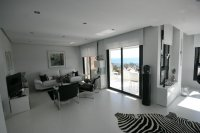 Amazing Luxury South facing designer Penthouse pic 3