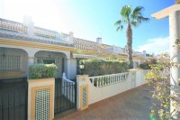 Spacious 2/3 Bed Bungalow for sale near to the Beach! pic 2