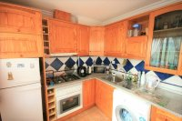 Spacious 2/3 Bed Bungalow for sale near to the Beach! pic 5