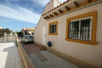 Fantastic 2 bedroom Bargain Bungalow next to the beach pic 9
