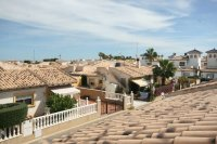 Fantastic 2 bedroom Bargain Bungalow next to the beach pic 13