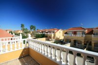Fantastic 3 bed, 2 bath  south facing townhouse next to beach! pic 11