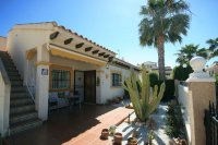 Fantastic 2 bed, 1 bath South Facing Bungalow next to the beach pic 10