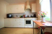 Renovated Corner South facing Fantastic 2 bed, 1 bath  next to the beach pic 7