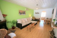 Renovated Corner South facing Fantastic 2 bed, 1 bath  next to the beach pic 12
