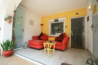 Renovated Corner South facing Fantastic 2 bed, 1 bath  next to the beach pic 13