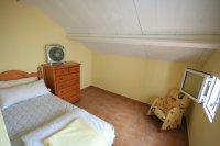 Superb 3 Bed, 2 bath Corner Plot   pic 7