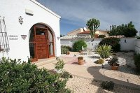 Fantastic 4 Bed, 2 Bath Detached Villa with Private Pool on a large 900m2 Plot pic 3