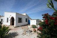 Fantastic 4 Bed, 2 Bath Detached Villa with Private Pool on a large 900m2 Plot pic 2