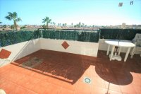 Fantastic 2 bed, 1.5 bath Overlooking pool  pic 12