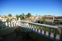 Fantastic 2 bed, 2 bath South Facing Corner House overlooking Pool Area pic 13