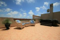 3 Bed Luxury Penthouse with jacuzzi and fantastic outside space pic 13