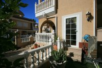 Fantastic South Facing 3 Bed , 2 Bath, Sun all day!  pic 9
