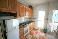 Bargain 2 Bed Ground floor Apartment pic 7