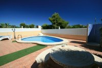 Fantastic 3 bed, 2 bath Detached villa with private pool pic 12